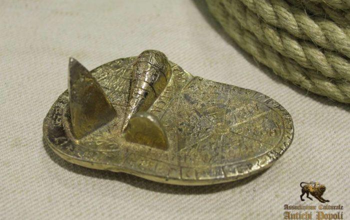 Replica in bronzo del fegato etrusco di Piacenza. Solo 2 gr in più dell'originale, stesse identiche dimensioni, stesso materiale.